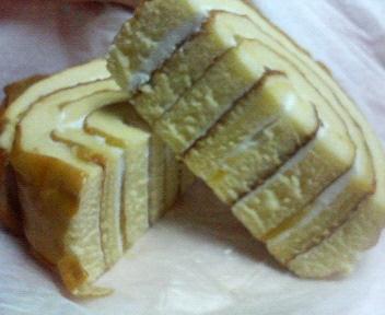マロンのロールケーキ CUT!!